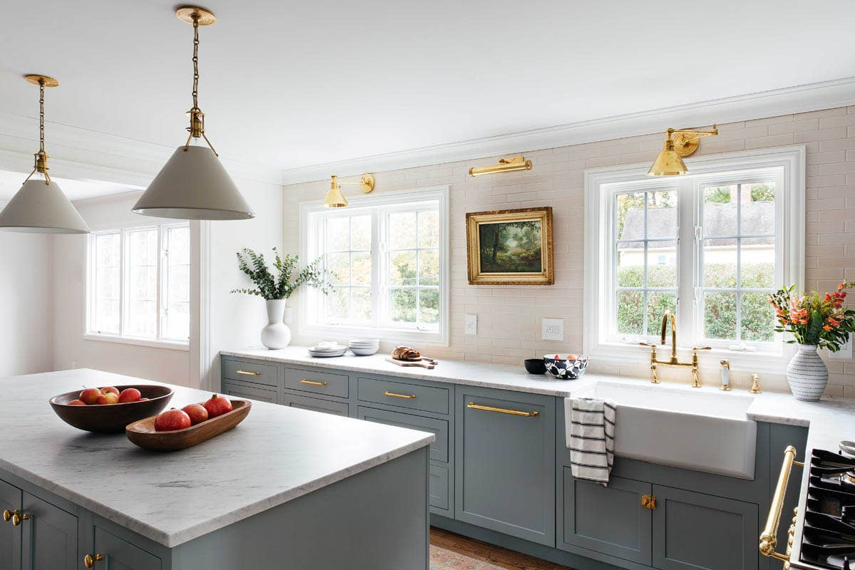 Gain knowledge and experience from a kitchen designer