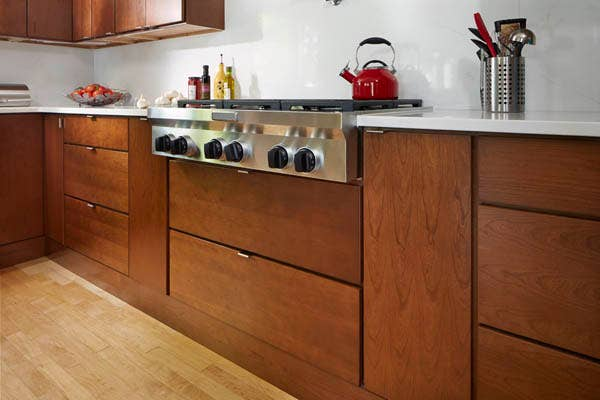 Wood veneer is a finish material made of solid hardwood.