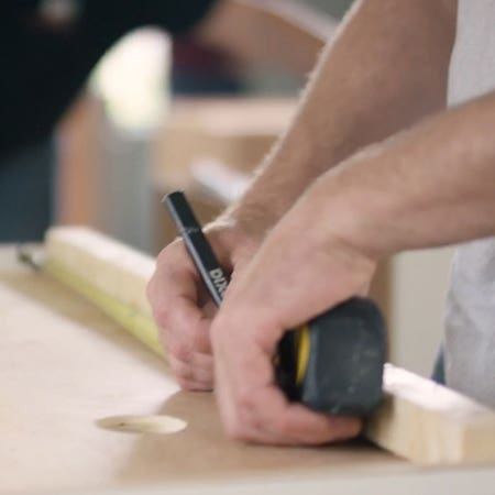 How do I hire a contractor for a kitchen remodeling project?