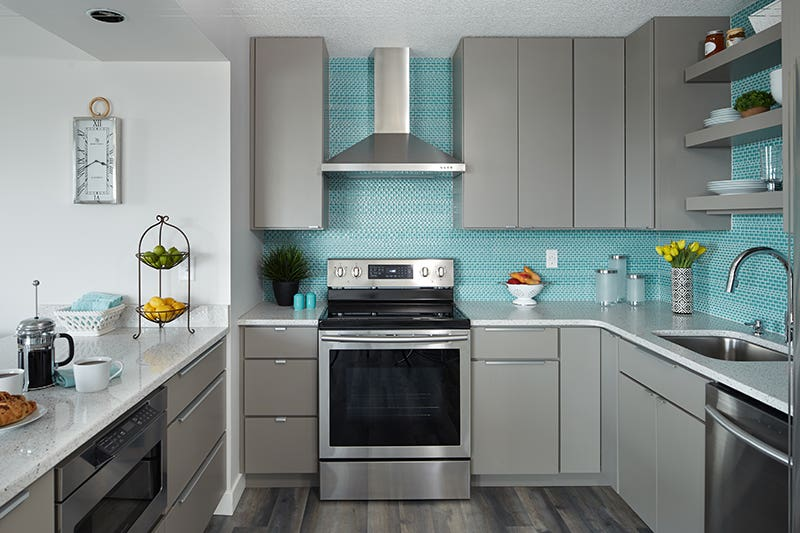 You may choose a variety of edge pull lengths based on cabinet sizes.