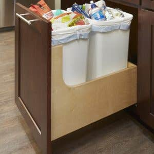 Pull-out Wastebasket