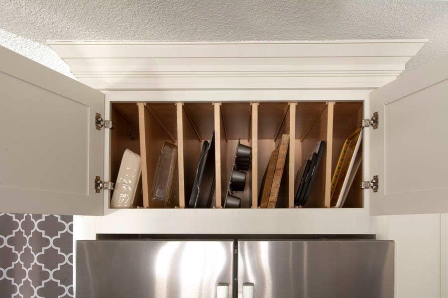 CliqStudios Homan Carlton Tray Divider Cabinet in White.
