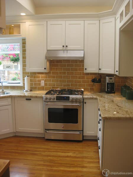 CliqStudios.com Dayton Painted White Cabinets Stove