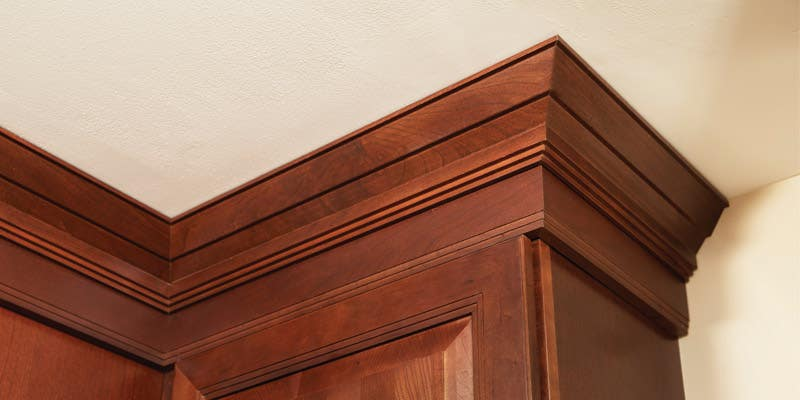 Carlton stained in Cherry Russet with Traditional Molding