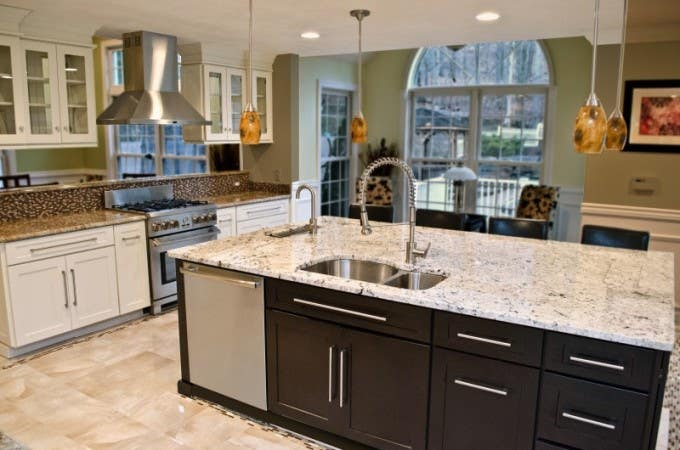 cliqstudios-dayton-white-paint-kitchen-cabinets-004