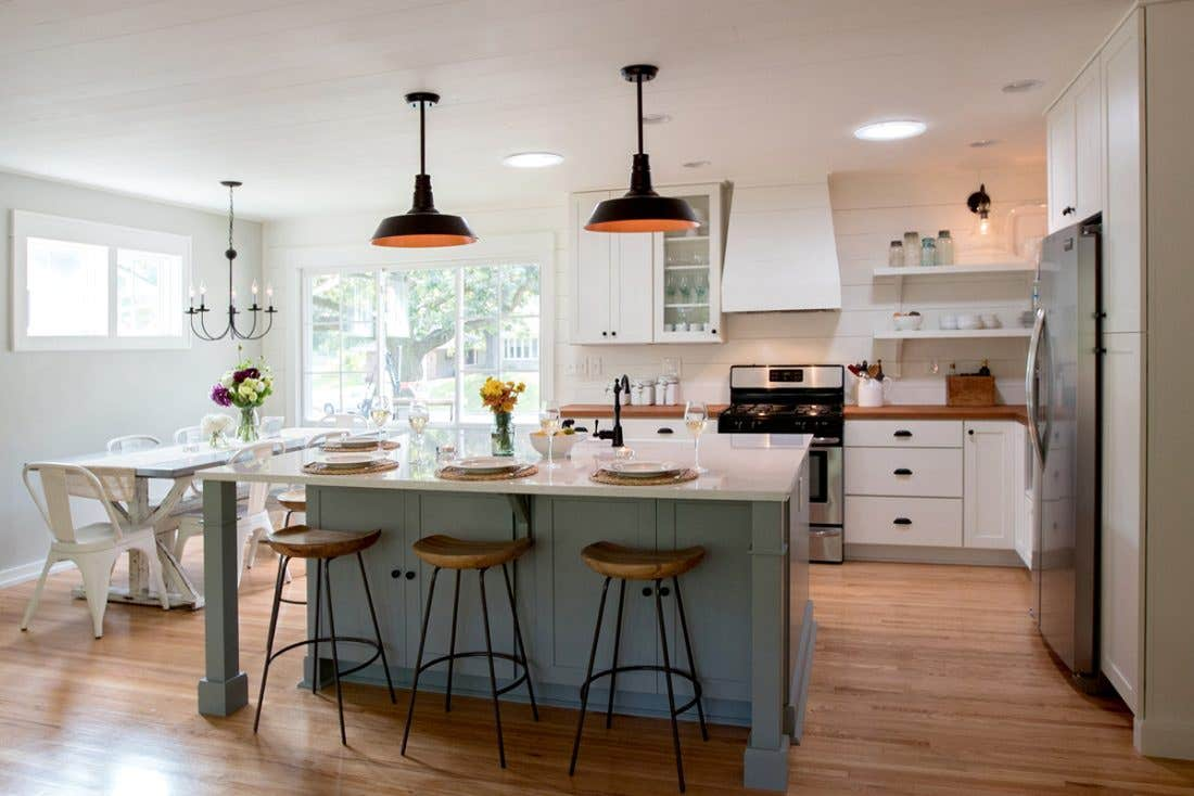 White and Harbor Modern Farmhouse Kitchen